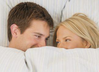 Una o dos horas antes de tener relaciones sexuales sentarse en silencio en su propio e imaginar el mejor sexo que nunca!